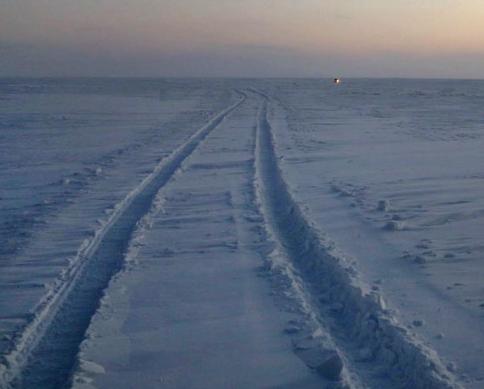 Автомобильная колея - снежный наст