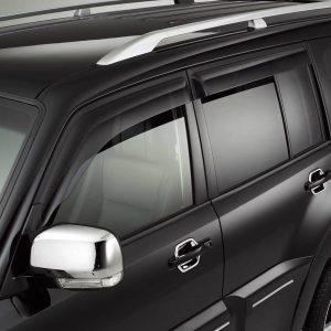 Как установить автомобильные дефлекторы самостоятельно: вставные или накладные