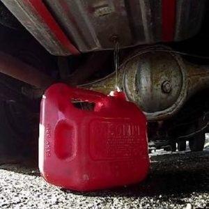 kak-slit-benzin-iz-benzobaka